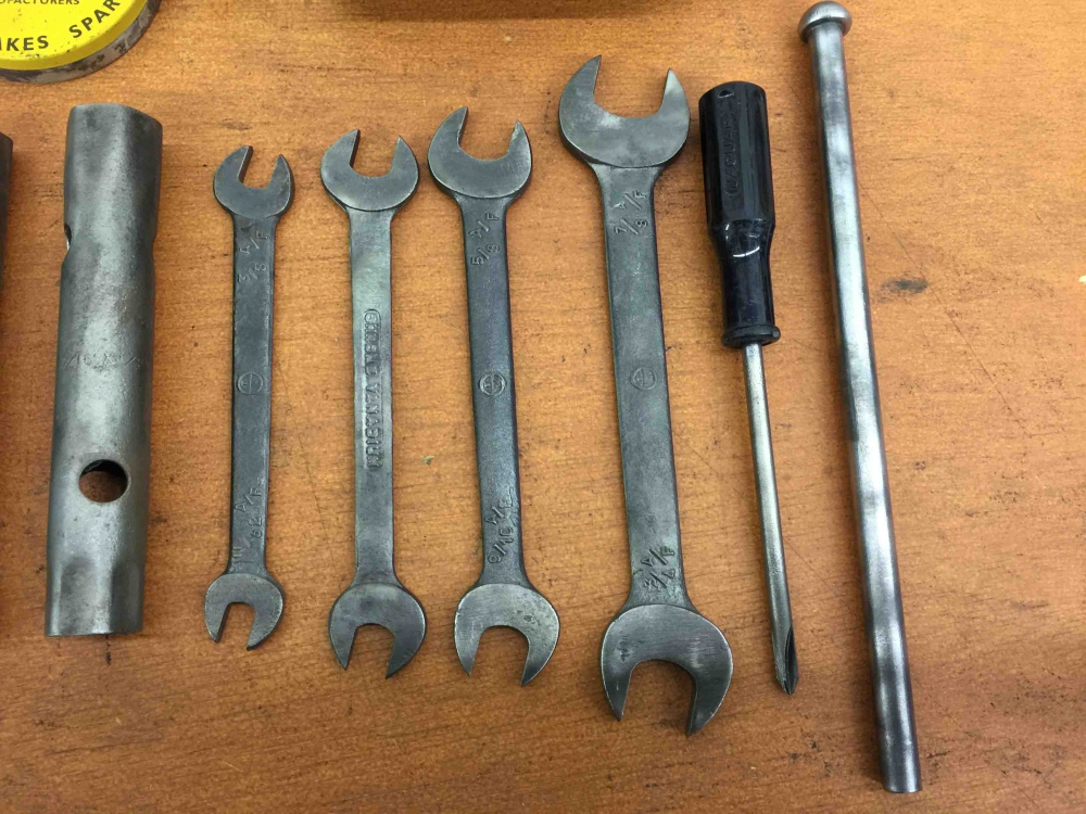 Seattle Car Auction >> VINTAGE JAGUAR XKE E type TOOL KIT EARLY SERIES 1 - For ...