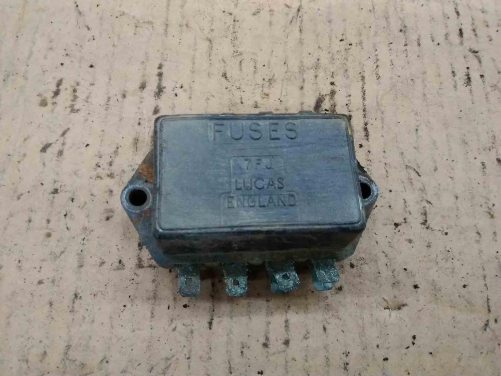 mg mgb lucas 7fj fuse box 7 71 37552 triumph mg jaguar for sale rh rwautoclassics com